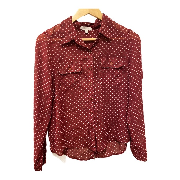 🦋Active USA red polka dot button front blouse